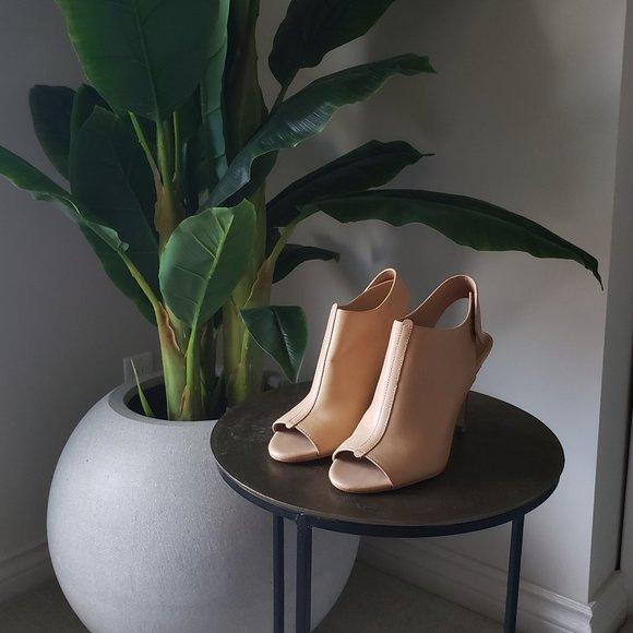 Leather Peep toe sling back booties